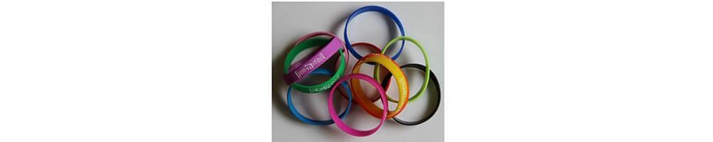Gadgets - braccialetti, orologi colorati e molto altro.